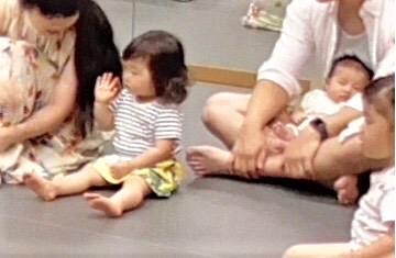 【札幌】第2子ベビー、生後1ヵ月でデビュー!リトミックで音楽レッスン